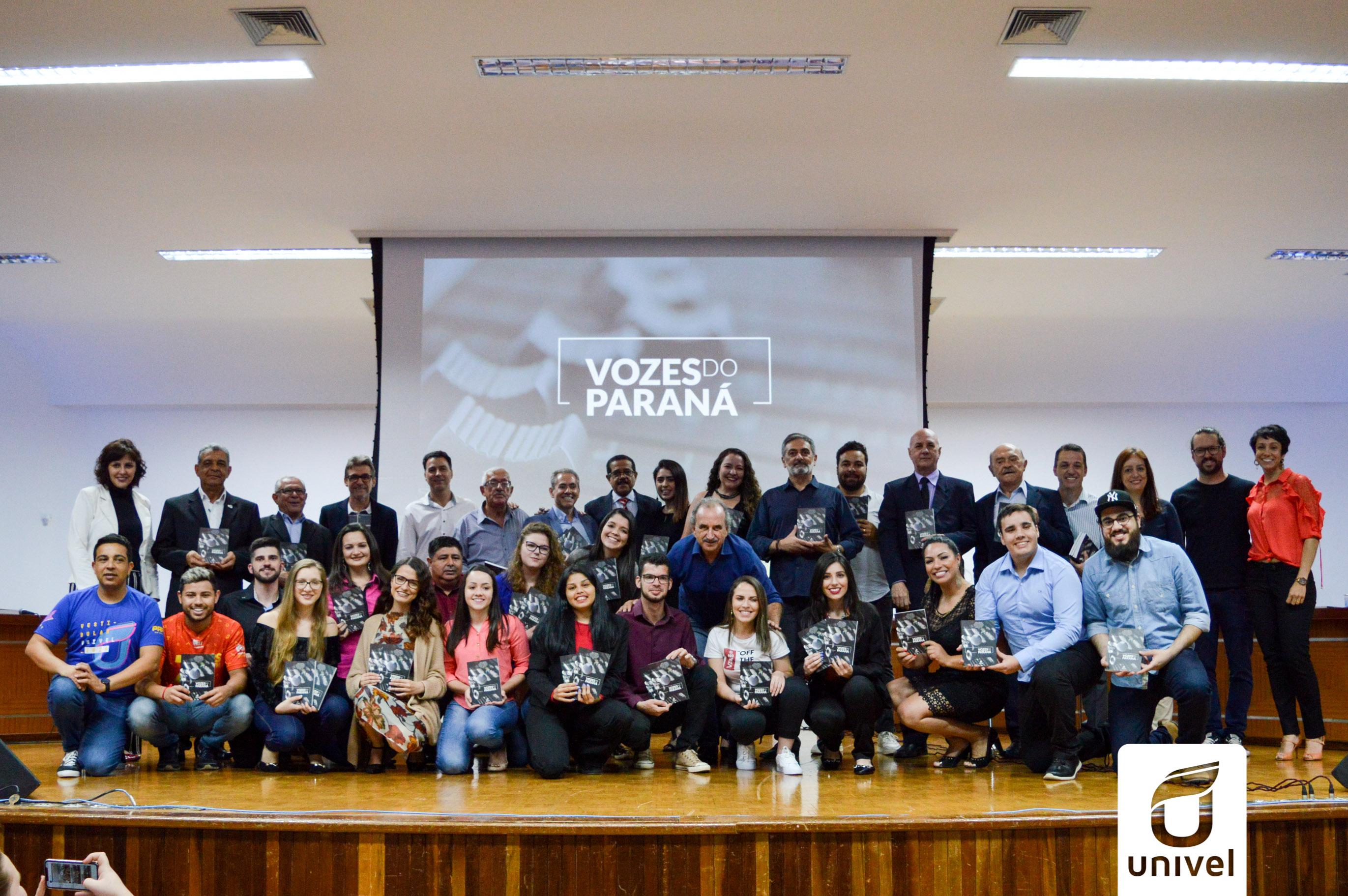 Vozes do Paraná: alunos e professores da Univel lançam livro sobre personalidades da comunicação